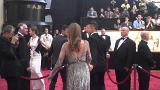 getlinkyoutube.com-Oscar Red Carpet 2014: Brad Pitt and Angelina Jolie, Bradley Cooper