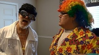 getlinkyoutube.com-ELVIS AND THE CLOWN! (150,000 Subscribers!)