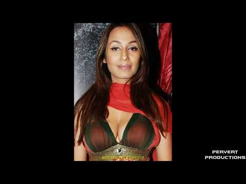 BOLLYWOOD ACTRESSES' BOOBS AND CLEAVAGES