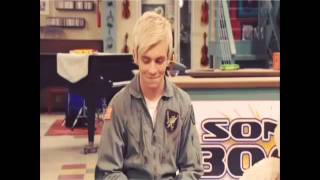 getlinkyoutube.com-Austin & Ally Bloopers
