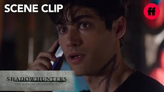 getlinkyoutube.com-Shadowhunters | 1x05 Clip: Alec & Magnus | Freeform