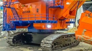 getlinkyoutube.com-RC excavator galore! 15 minutes pure R/C digger compilation!