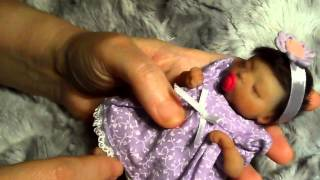 getlinkyoutube.com-Tiny Silicone Baby Girl Maria's OOTD Change