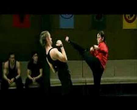 Scorpion Kick knockout by a chick!