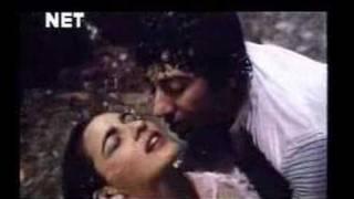 getlinkyoutube.com-Badal Yun Garajta Hai - Betab 1983