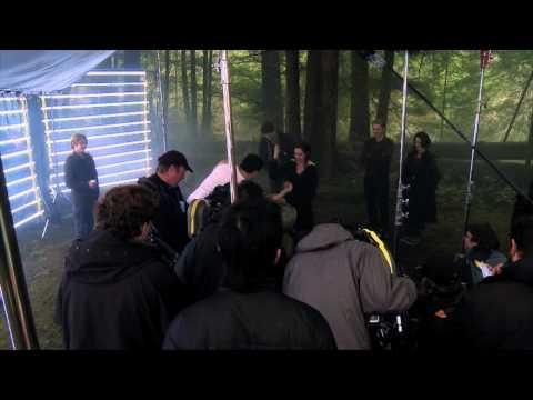 The Twilight Saga: Breaking Dawn Part 2 - Arm Wrestling
