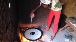 getlinkyoutube.com-Making bodena in West Wollega, Ethiopia