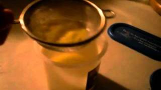 getlinkyoutube.com-Making yolk for guppy fry+feeding them