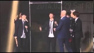 getlinkyoutube.com-BTS Bar tickling game(?) LOL | 방탄소년단 간지럼 게임