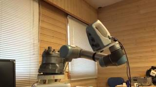 Robotic arm scans motorcycle engine with Artec Spider