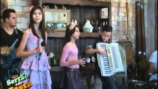 getlinkyoutube.com-Lorena e Rafaela - Distante do Meu Bem (Programa Sertão em Festa 34/2014)