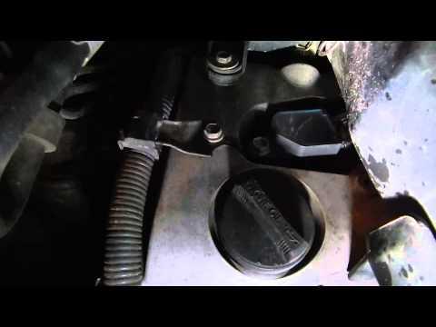 Расположение натяжителя цепи грм у Lexus RX400h