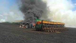 getlinkyoutube.com-Fazenda ipuaçu sc T8 com plantadeira de 28 linhas pega fogo