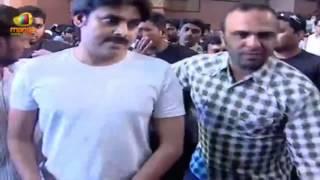 getlinkyoutube.com-Powestar Pawan Kalyan's Power Packed Entry | Rey Audio Launch | Sai Dharam Tej