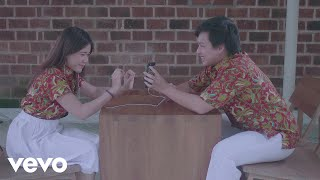 Arsy Widianto, Brisia Jodie   Dengan Caraku (Official Music Video)