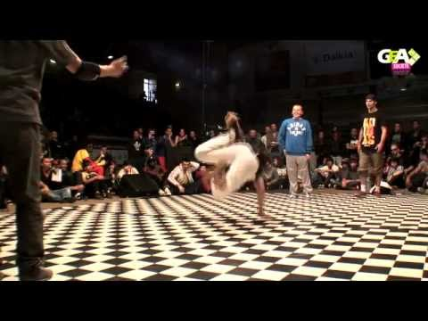 AMAZING DAY 2012 BREAKDANCE BATTLE compilation