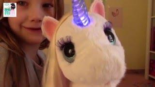 getlinkyoutube.com-Unser neues Haustier - Starlily von Hasbro - Kinderkanal - Furreal friends - Einhorn - Kinder