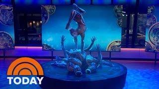 getlinkyoutube.com-Cirque Du Soleil 'KURIOS' Contortionists' Entrancing Performance | TODAY