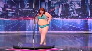 getlinkyoutube.com-Big Girl Lulu Trying To Work The Pole On America's Got Talent!.webm
