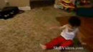 getlinkyoutube.com-little boy break dancing