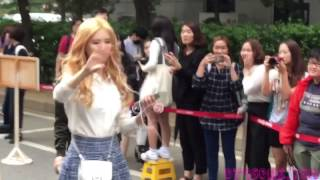 getlinkyoutube.com-[HD Fancam] 150911 SNSD TaeYeon SeoHyun Music Bank 소녀시대 태연 서현 뮤직뱅크 직캠