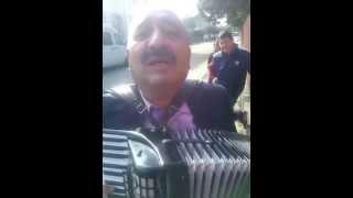 getlinkyoutube.com-cu acordeonul prin Tataranu - fetele de la sibiu  :)))
