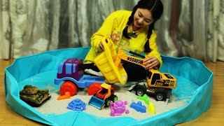 getlinkyoutube.com-[유라] 장난감(toy)_모래놀이 중장비 놀이 공사장놀이 모래성 만들기 탱크놀이  보물찾기 sand play construction site sandcastle tank