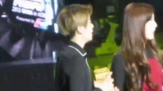 getlinkyoutube.com-15.12.2 Ailee, Jackson & EXO in waiting area (fx winning award) @MAMA 2015-HK