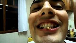 getlinkyoutube.com-incrivel homem morre ao comer verme de tequila