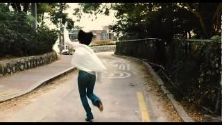 getlinkyoutube.com-김혜수 노브라 달리기 720p