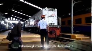 getlinkyoutube.com-Kereta Api Lokal Bandung Raya Datang dan Berangkat Stasiun Bandung