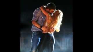 getlinkyoutube.com-Shakira y Gerard Piqué Se Aman