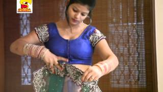 getlinkyoutube.com-how to wear a bridal saree perfectly   Hot Bhabhi's navel show