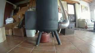 getlinkyoutube.com-ΞΥΛΟΣΟΜΠΑ ΠΥΡΑΥΛΟΣ [rocket stove] part 1