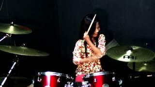 getlinkyoutube.com-Senario - Boria Miskin Kaya Drum Cover by Nur Amira Syahira