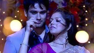 RK & MADHUBALA HOT Romance - RK Madhubala LOVE SCENE
