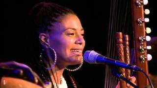 getlinkyoutube.com-Sona Jobarteh & Band - Kora Music from West Africa