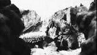 getlinkyoutube.com-Godzilla vs angilas