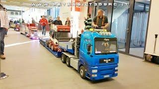 getlinkyoutube.com-Grand parade of trucks large scale in Wels modellbau 2015