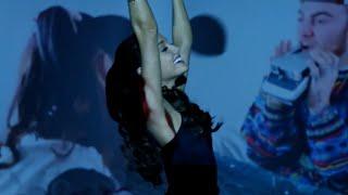getlinkyoutube.com-Ariana Grande Vs Mariah Carey - The Way It's Like That (Mashup)