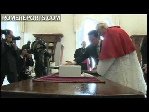 Benedicto XVI recibe al presidente de Mongolia
