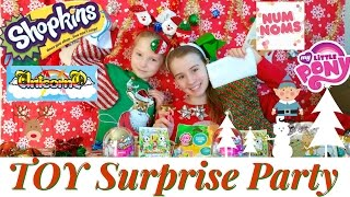 getlinkyoutube.com-BLIND BAGS - MYSTERY SURPRISE Ugly Christmas Sweater Party SHOPKINS NUM NOMS TOKIDOKI DISNEY