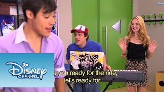 Violetta: Os meninos cantam ¨Are you ready for the ride¨