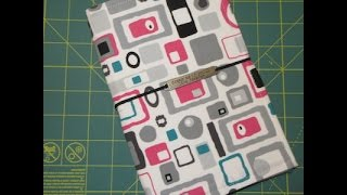 getlinkyoutube.com-How I Make My Fabric Travelers Notebook (Fauxdori with finished edges)