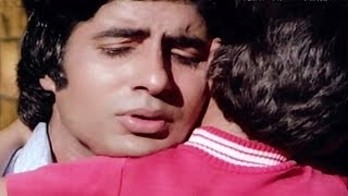 getlinkyoutube.com-Luk Chhip Luk Chhip Jaona - Amitabh Bachchan, Kishore Kumar , Do Anjaane Song 1