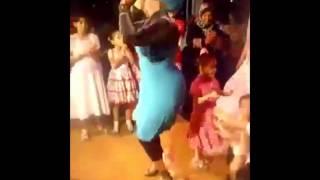 getlinkyoutube.com-رقص بنت  محجبة المفروض تشتغل في كباريه