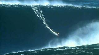 getlinkyoutube.com-Onda Gigante na Nazaré. Surfer rides wave for World Record! (video completo)