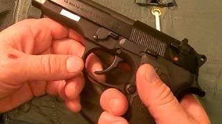 getlinkyoutube.com-Beretta M9/Model 92 pistol:  Gargantuan 9mm, Part 3
