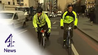 "getlinkyoutube.com-Helmet camera ""vigilantes"" show the cyclists vs motorists battle"