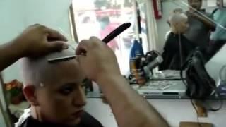 getlinkyoutube.com-barbershop foreigner headshave
